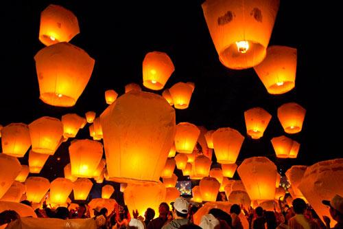 Notte delle lanterne volanti a Cinisello Balsamo